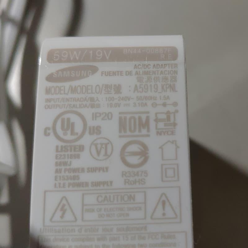 03 曲面螢幕 的地雷被我遇到了! Samsung 34 4K螢幕 800x800