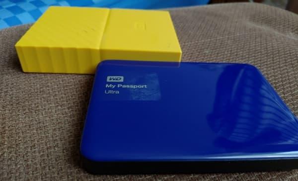 09 WD My Passport 4TB 2.5吋行動硬碟 1TB VS 4TB