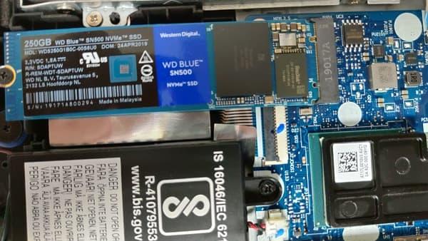 20 聯想 Y530 WD blue SN500 250GB PCIe x 2 NVMe