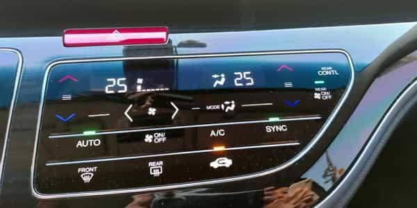 28 HondaOdyssey 車機螢幕-2 600x300